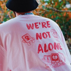 Tee 'We're Not Alone'  Pink